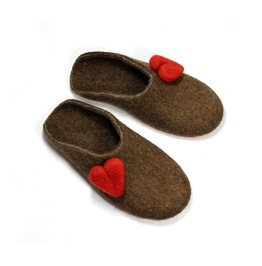 Women's Red Heart Natural Felt Clogs Romantic Valentines