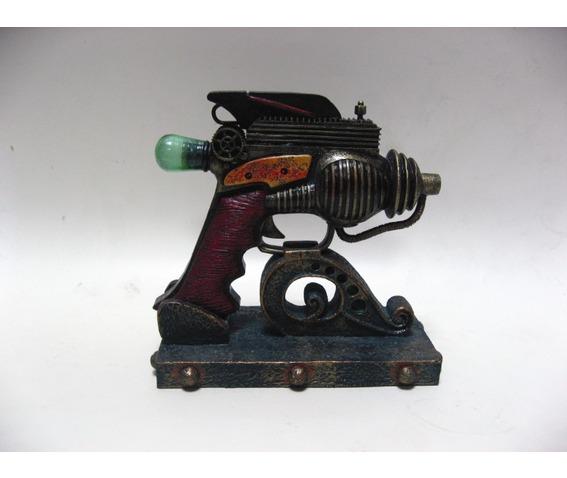 the_consolidator_steampunk_gadget_v8323_decor_2.jpg