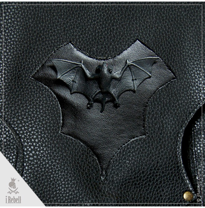 rebelsmarket_vampire_bag_bat_extraordinary_gothic_style_shoulder_bag_purses_and_handbags_4.jpg