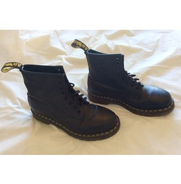 Doc Martens Air Wair Boots Men's Size 8