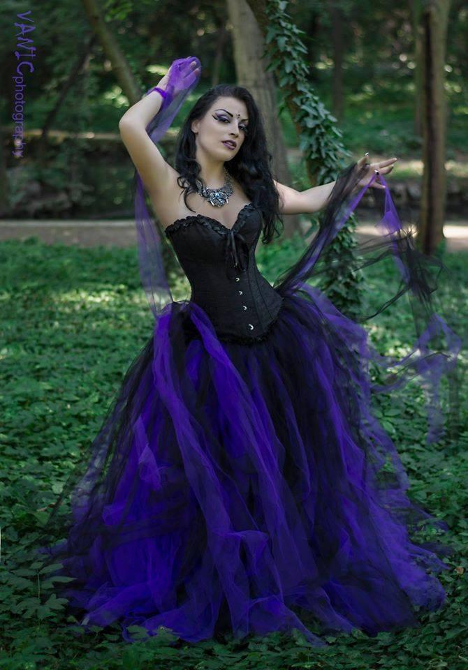 rebelsmarket_romantic_black_and_purple_gothic_corset_long_prom_dress_dresses_2.jpg
