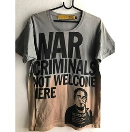 War Not Welcome Fashion Pop Rock T Shirt Unisex M