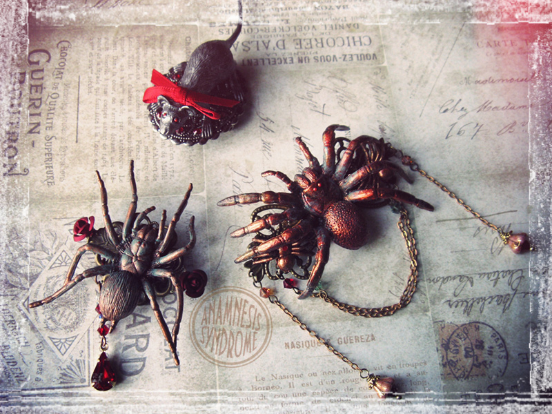 spider_family_goth_steampunk_brooch_brooches_2.jpg