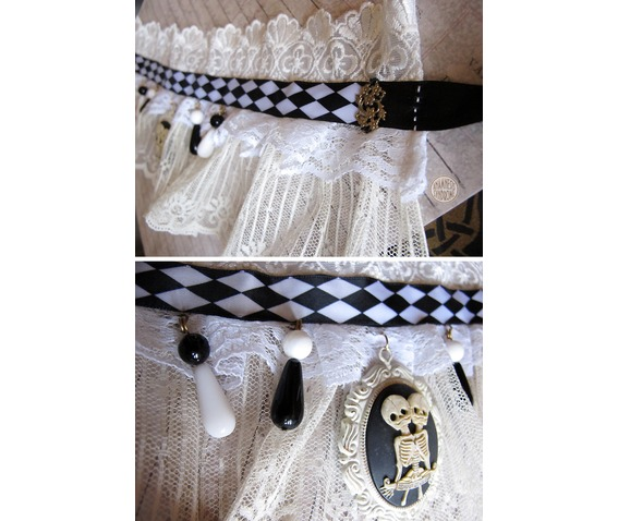 choker_steampunk_circus_freaks_conjoined_twins_necklaces_2.jpg