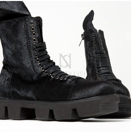Oversized Tongue Accent Black Lace Up Boots 369