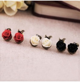 Elegant Candle Vintage Retro Rose Flower Asymmetrical Stud Earrings