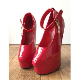 Zora Fetish Heelless Hoof Sole Platform Pump Padlock Strap Patent Red
