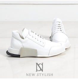 Contrast Sporty Outsole Mixmatched Lace Up Leather Sneakers 380