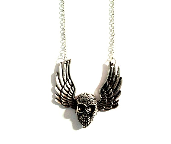 enchanting_silver_metal_winged_skull_necklace_necklaces_2.jpg