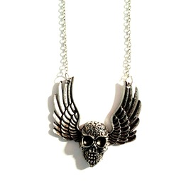 Unique! Silver Metal Winged Skull Necklace