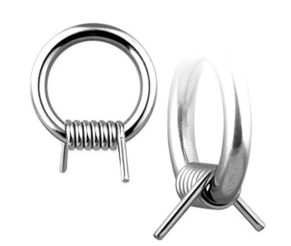 wire_ring_facial_piercings_2.jpg