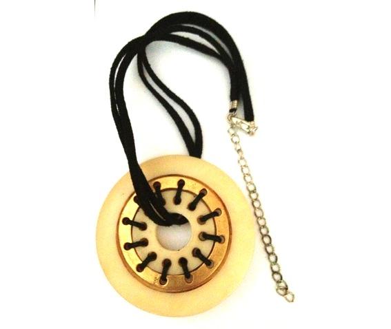 unique_large_circle_design_necklace_necklaces_2.jpg