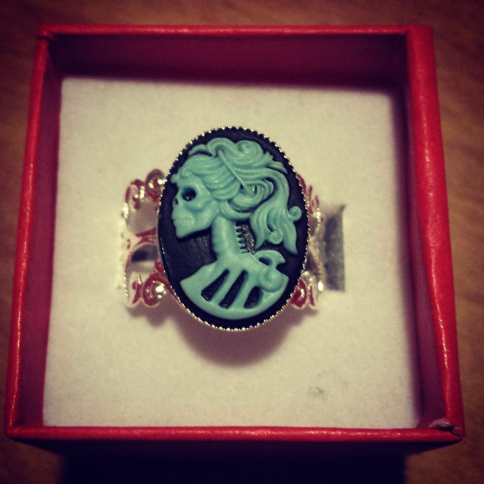 blue_bella_morte_ring_rings_2.jpg