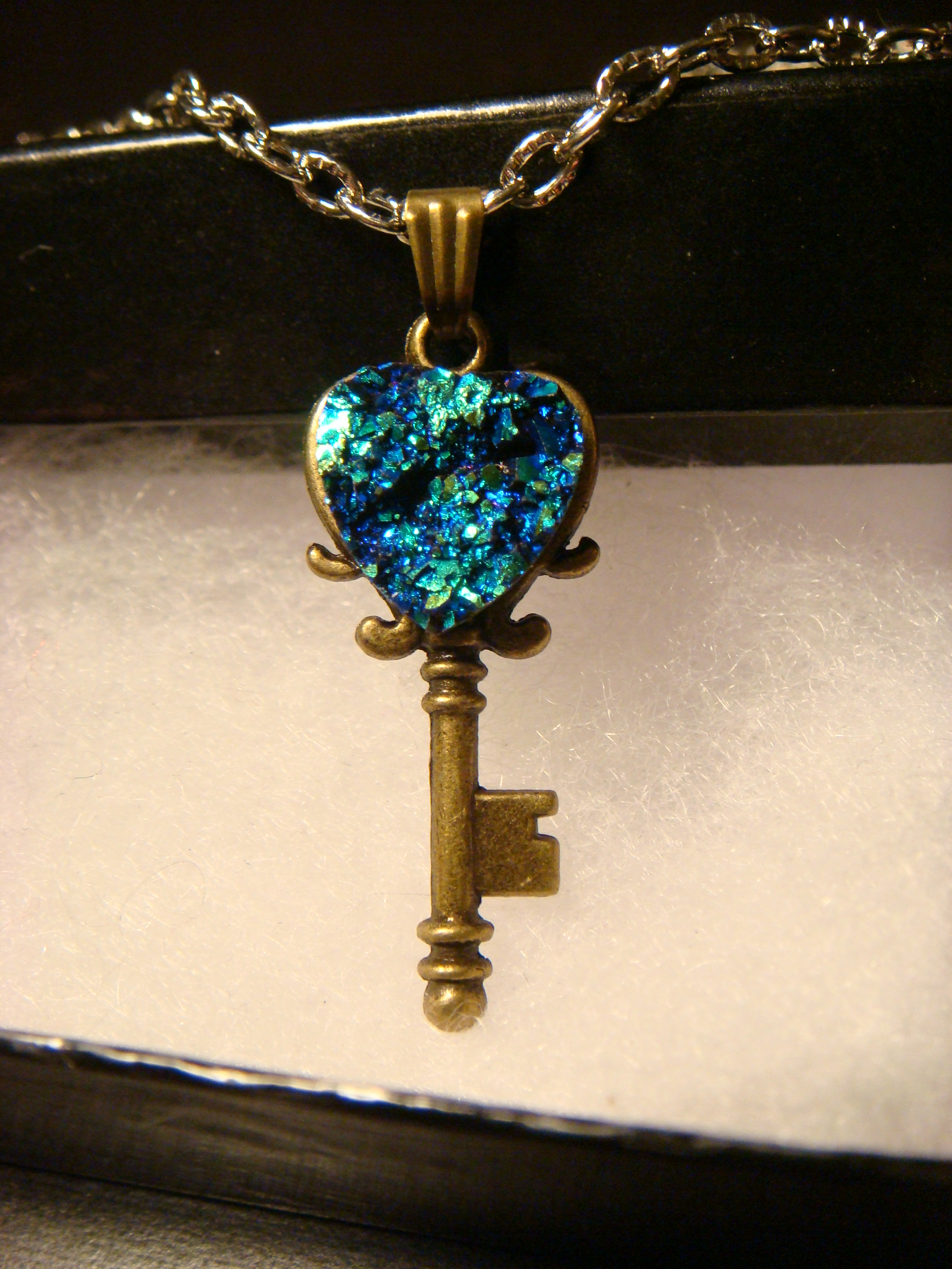 blue_green_faux_heart_druzy_drusy_key_necklace_pendants_6.JPG