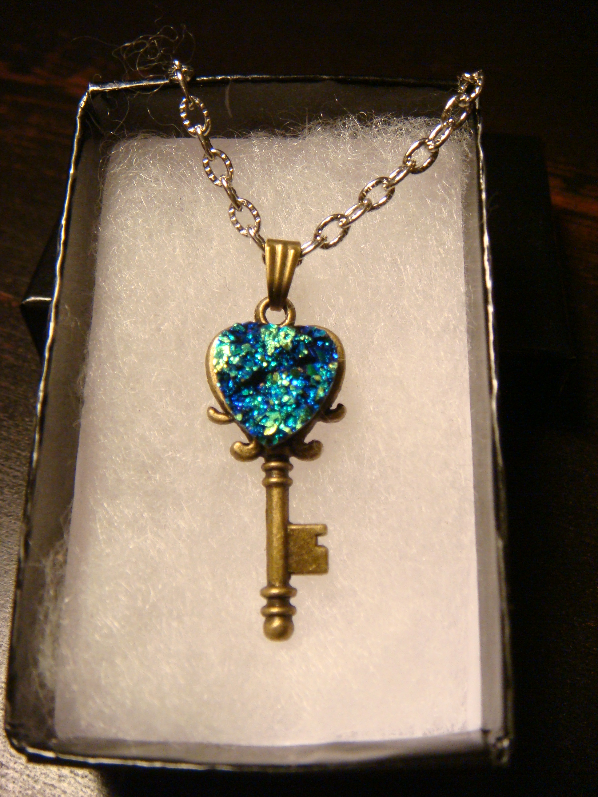blue_green_faux_heart_druzy_drusy_key_necklace_pendants_3.JPG