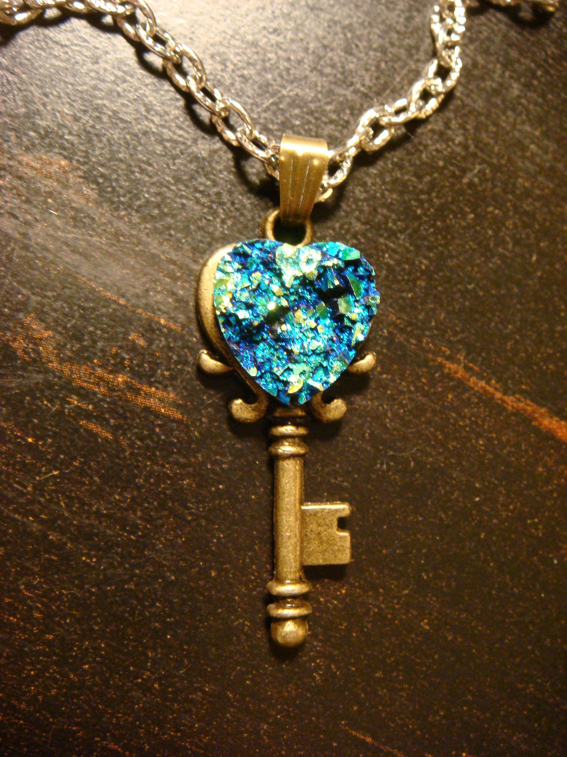 blue_green_faux_heart_druzy_drusy_key_necklace_pendants_2.JPG