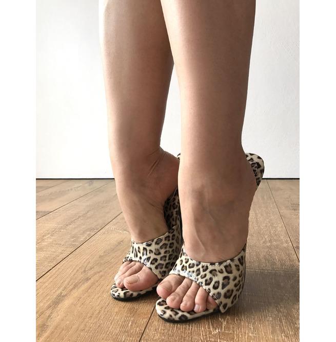 Mistress high heels