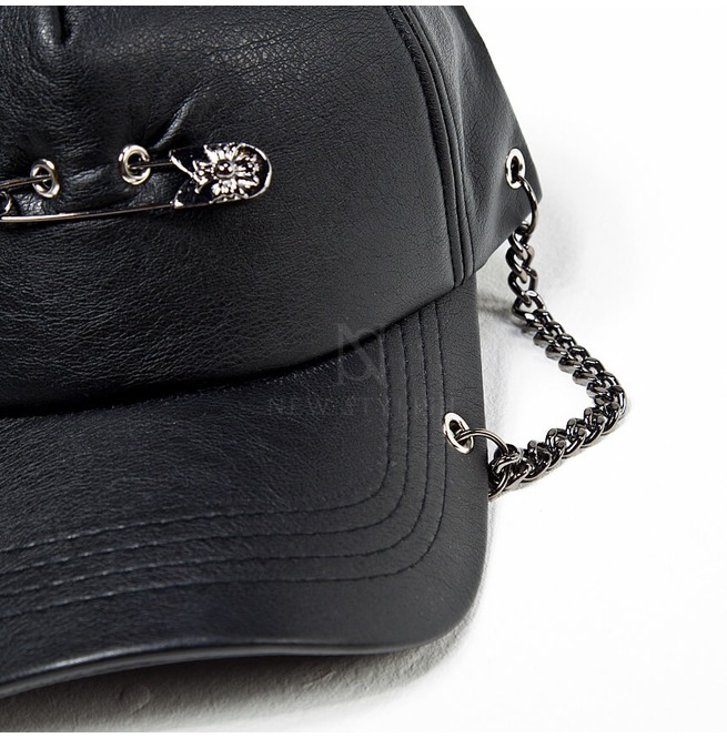 rebelsmarket_safety_pin_chain_accent_black_leather_cap_hat_18_hats_and_caps_4.jpg