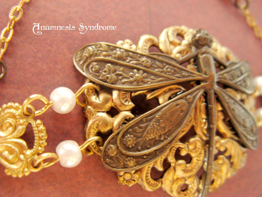 neo_victorian_bracelet_pearls_dragonfly_bracelets_4.jpg