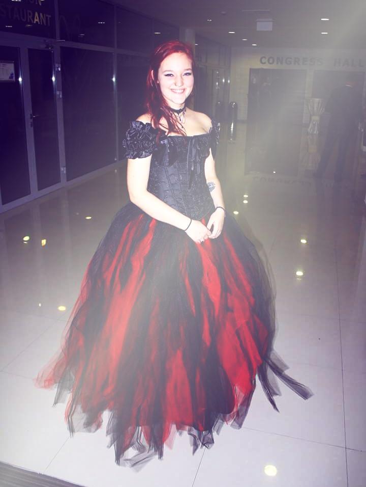 rebelsmarket_romantic_black_and_red_vintage_gothic_corset_long_prom_dress_d1_033_dresses_2.jpg