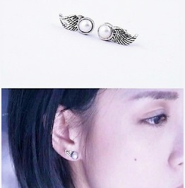 Fashion Vogue Sterling Antique Silver Plated Angel Wing Pearl Stud Earrings