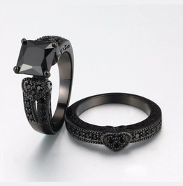 Black Gunmetal Gothic Vintage Rings Set, 2 Bands, Love Heart Wedding