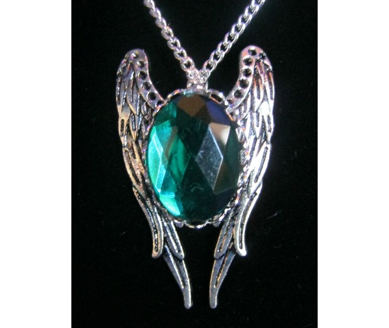 necklace_green_stone_wings_chain_necklaces_2.JPG