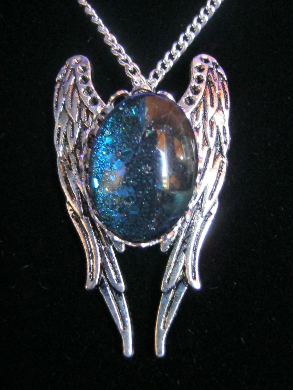 necklace_blue_glitter_stone_wings_chain_necklaces_2.JPG