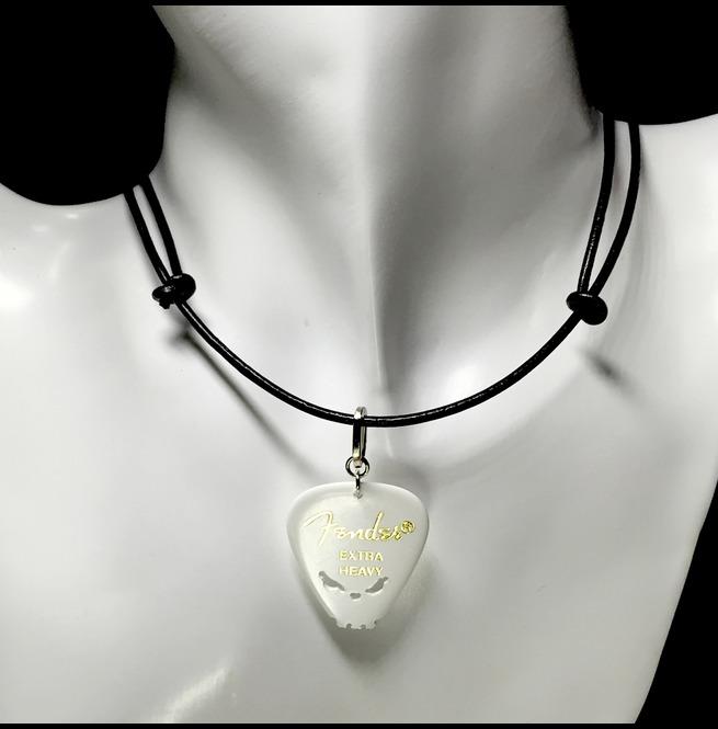 rebelsmarket_skull_genuine_leather_choker_white_fender_guitar_pick_hand_carved_necklaces_2.jpg