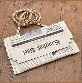 Newspaper Bag / Bolso Periódico Wh468