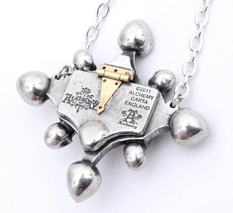 poison_locket_pewter_pendant_pendants_3.jpg