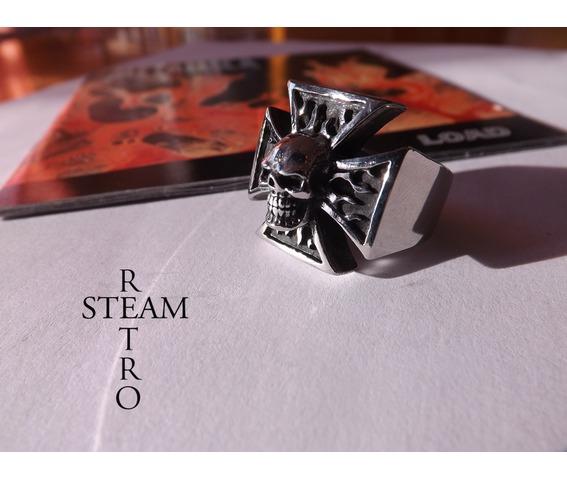 gothic_iron_cross_skull_biker_ring_steamretro_rings_6.jpg
