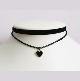 Black Heart Choker Gothic Chains Design