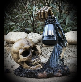 Graveyard Skeleton With Solar Light