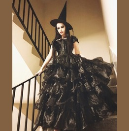 Black Cap Sleeves Gothic Corset Long Multilayer Prom Party Gown
