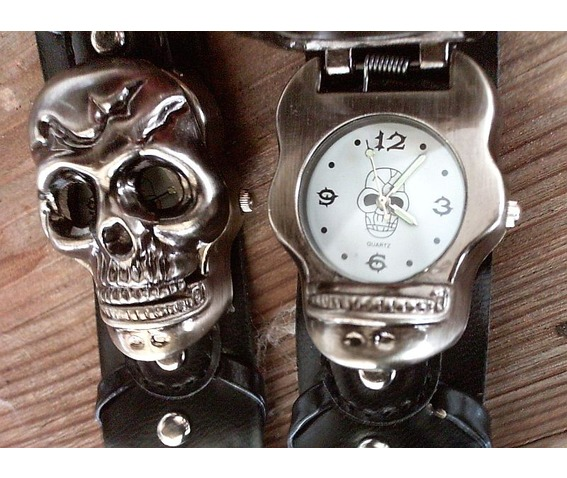 skull_head_gothic_punk_rock_goth_bracelet_watch_white_watches_4.jpg