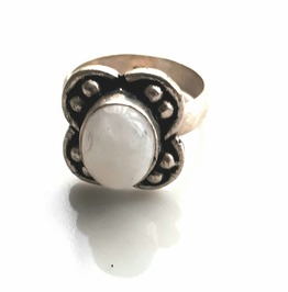 Enchanting Oval Moonstone Gemstone 925 Ring With Petals Uk L Us 6