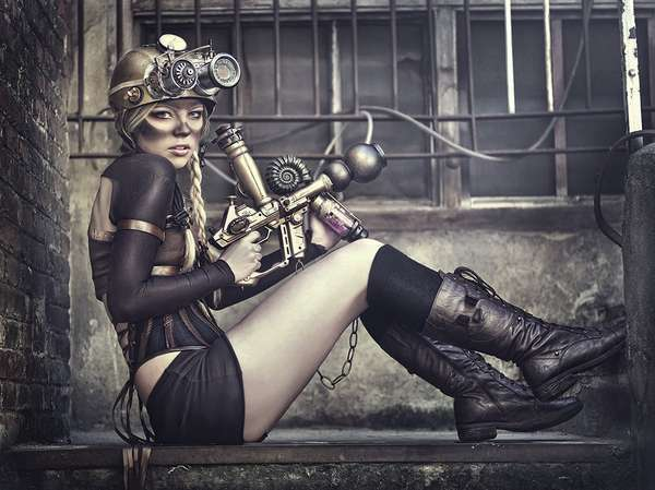 How to accessorize a steampunk outfit