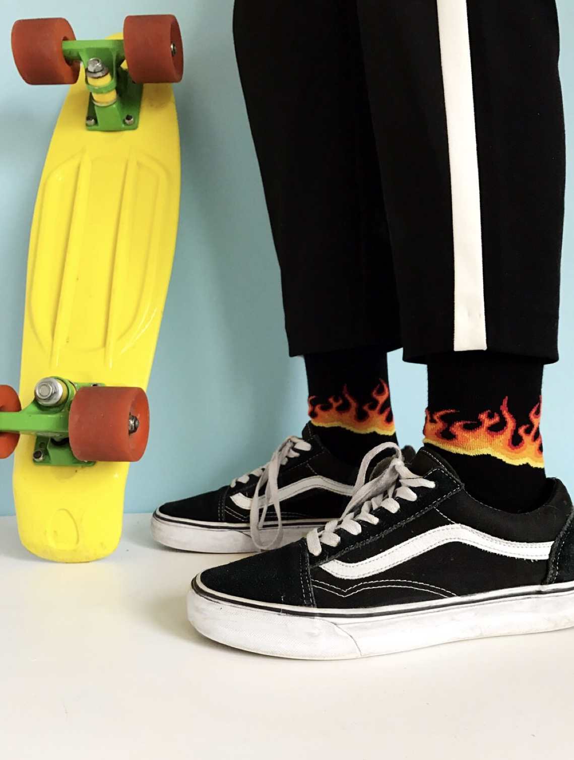 rebelsmarket_black_socks_with_hot_fire_flames_socks_4.jpg