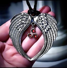 Mens Pendant Wings Bdsm Symbole Dominant Necklace Triskele Triskelion Angel
