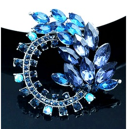Unique! Stunning Silver Plated Blue Rhinestone Diamante Circlular Brooch