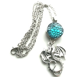 Awesome Eyecatching Dragon Design Pendant On Chain With Stunning Feature