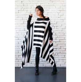 Black And White Stripe Asymmetric Tunic/Oversize Long Short Top
