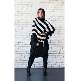 Stripe Loose Tunic/Extravagant Black And White Poncho/Half Sleeve Maxi Top