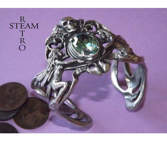gothic_aquamarine_skull_bracelet_jewelry_steamretro_bracelets_2.jpg