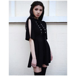 Gothic Half Sleeve Lace Up Front Women's Dress
