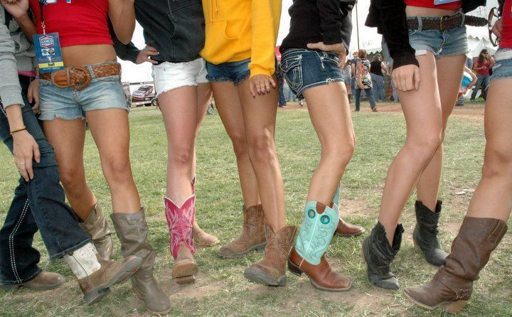Daisy Duke Style For Country Music Festivals