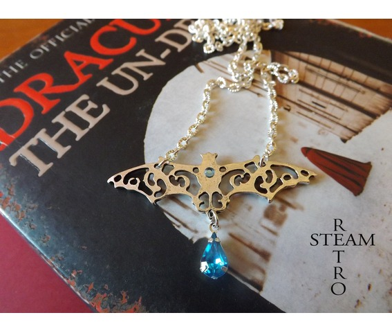gothic_vampire_bat_necklace_gothic_steamretro_necklaces_6.jpg