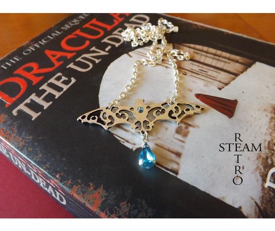 gothic_vampire_bat_necklace_gothic_steamretro_necklaces_5.jpg