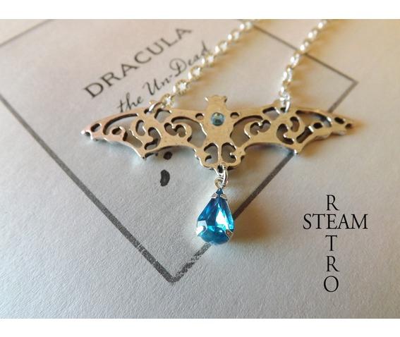 gothic_vampire_bat_necklace_gothic_steamretro_necklaces_3.jpg
